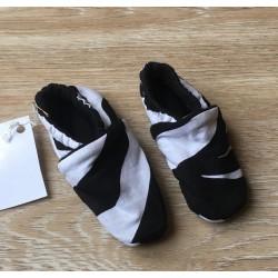 chaussons bébé 3-6 mois 10cm