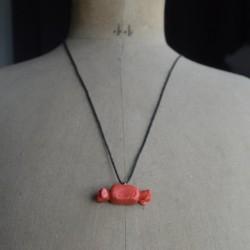 Collier bonbon rouge